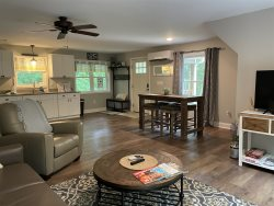 Romantic - Loft - Private - Mountain Views from Deck - Hendersonville - Asheville