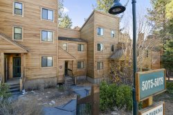 Dog Friendly Northstar Townhome -Shuttle to Slopes/Village