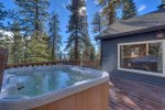 Jeffrey Way~Beautifully Remodeled Hot Tub Home