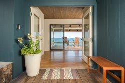 Hale Lula O` Nai`a Oceanfront Beach Retreat