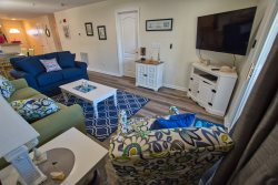 REHOBOTH BEACH: 2BR LUXURY CONDO at THE PALMS With FREE POOL ACCESS - Sleeps 7