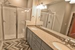 Bedroom 6 on main floor w 1 queen bed - new premium mattress