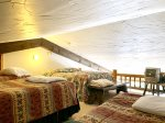 Loft, Queen bed and three twin beds