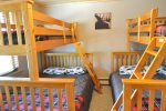 Bedroom with 4 Bunk Beds