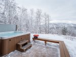 Hot tub with Sunning Mountain Views