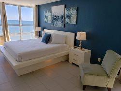 Newly Renovated Oceanfront studio - Sun N Sand 1014