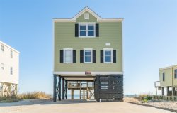 Beachfront Beach House! Sleeps 14!