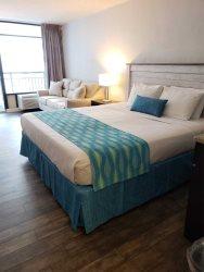 Updated Interior Studio Suite at the Landmark Resort~Unit 422