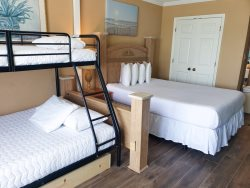 Oceanfront Queen Suite~Sleeps 6 guest!~Sand Dunes 2937