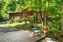 Private cabin, fresh updates, new patio furniture