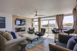 Ocean Front Mission Beach Rental: Sand Dollar Shore