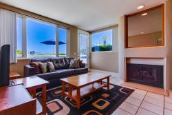 Ocean Front Mission Beach Rental: Sands