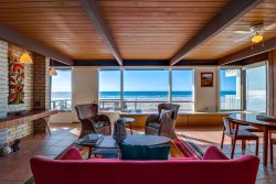 Ocean Front Mission Beach Rental: Sea Strong #2