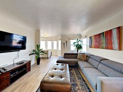 Bay View 2BD/2BA Mission Hills Renta: Palm View Penthouse