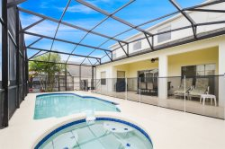 Floridian Paradise - South-facing Pool Villa - 20 Minutes to Disney!