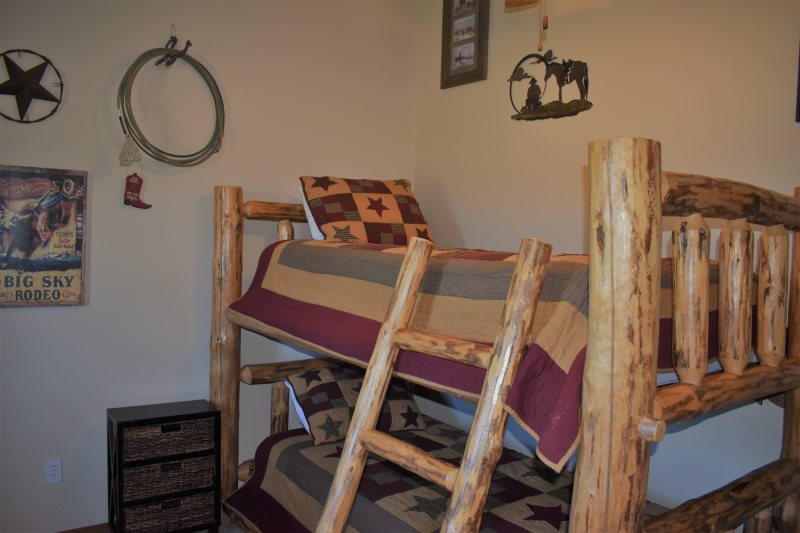 Cozy Creek Vacation Homes | Rendezvous on Ravalli | Dogs