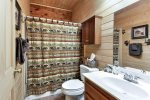 You`ll Love Your Stay at Twin Pines Cabin
