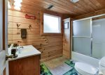 Private Bathroom with Shower/Tub