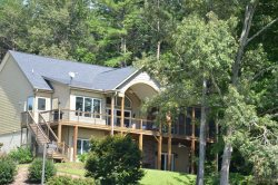 A Keowee Waterfront Home To Wow Everyone