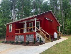 Brand New Cozy Cabin close to Lake Hartwell