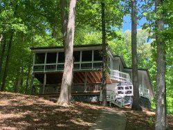 Family Friendly Lake Hartwell Home
