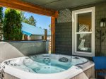 End the day realxing in this hot tub.