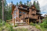 Extraordinary Home on the Wenatchee River