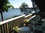 This pet-friendly East Lake cottage is a 7 minutes drive from Sandbanks