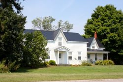 Classic County Farmhouse close to Bloomfield