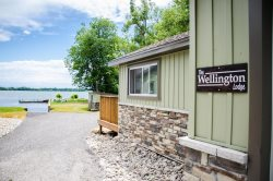 Family friendly West Lake Cottages shared waterfront