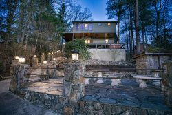 Lake Side Retreat- Blue Ridge Lake