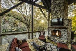 River's Edge Lodge- Mineral Bluff, GA