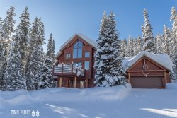 *Flexible Cancellation Policy* Gorgeous Home Near Lake Levinsky! Views, Hot Tub, & More!