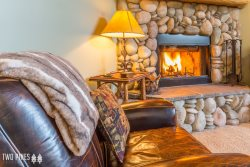 Rustic & Cozy Pines Condo | Minutes to Town Center with Private Hot Tub!