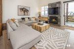 Moonlight Basin   Saddle Ridge Retreat   Ski in Ski Out Condo, Gas Fireplace, Hot Tub!