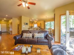 *Flexible Cancellation Policy* - Tamarack Town Home w/ Central Location & Private Hot Tub!