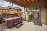 Private Outdoor Living Space & Hot Tub