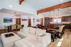 *Flexible Cancellation Policy* BEAUTIFUL Home Near Big Sky Town Center