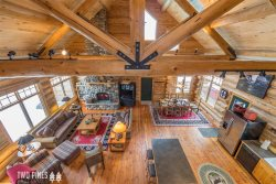 Gorgeous Log Home Near Ousel Falls | Private Hot Tub & Close to Town Center