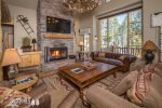 Luxurious Winter Ski Vacation- Beautiful Mountain Views