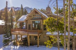 *Flexible Cancellation Policy* - Your Base to Yellowstone- Moonlight Club Access, Views, & Private Hot Tub!