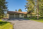 2 Car Garage with Ski Racks & Boot Warmers