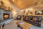 Private Hot Tub, Gas Grill, & Outdoor Seating