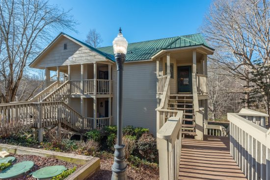 nicely decorated 1 bedroom studio 13428 | 2017 209 23 18 20am