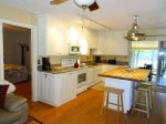 Full Kitchen that has been fully renovated