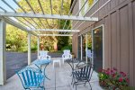 patio with trellis