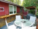 2 bedroom/1 bath cabin overlooking Sequim bay