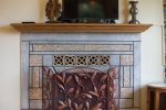 Beautiful details, fireplace decorative only