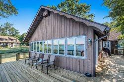 Hillside Cottage on Gravel Lake