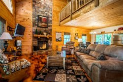 Secluded Luxury Cabin | Mountain View | Hot Tub Overlooking View | Pet Friendly | 6 Miles from Helen, Ga